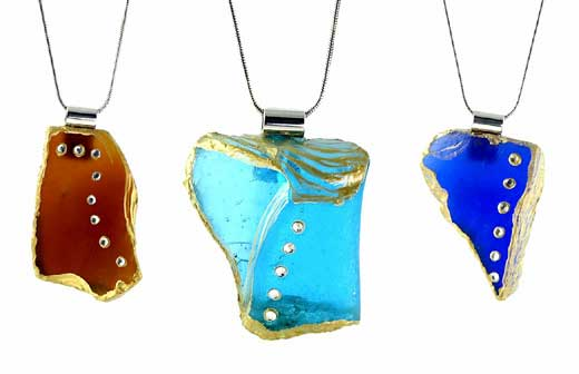 "<a href=""/node/446"">SEA GLASS PENDANTS</a>"